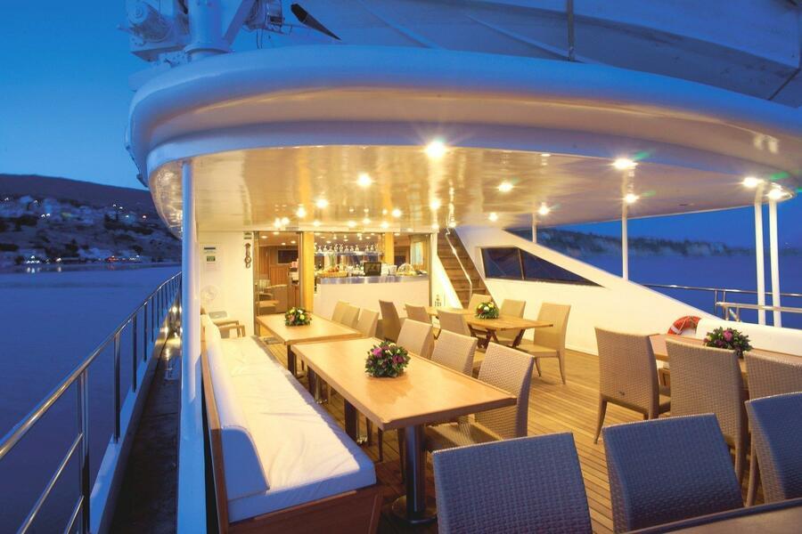 Luxury motor yacht (Harmony G)  - 9