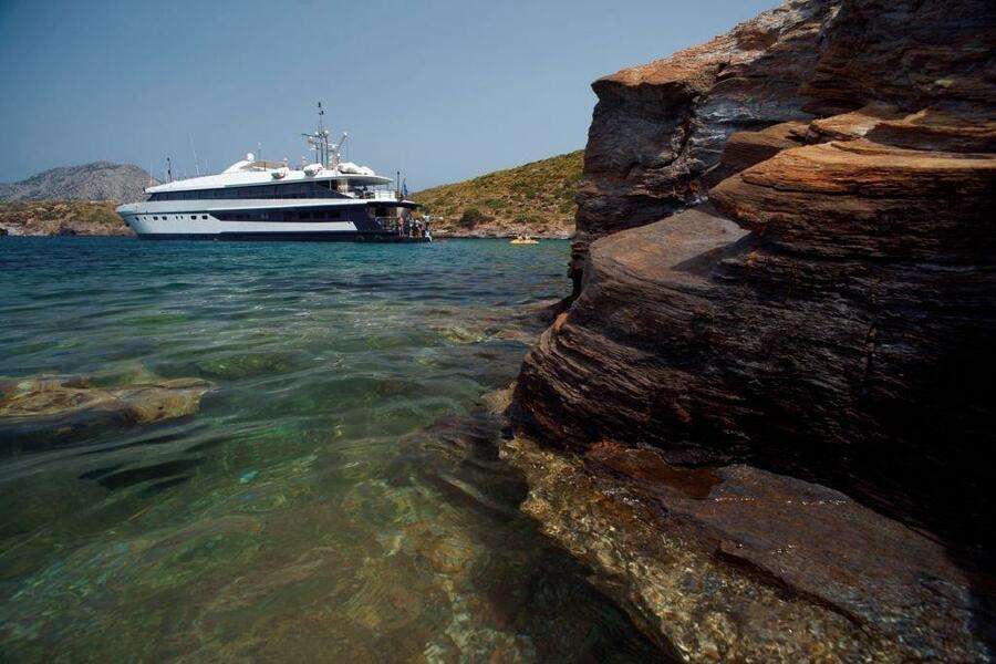 Luxury motor yacht (Harmony G)  - 13