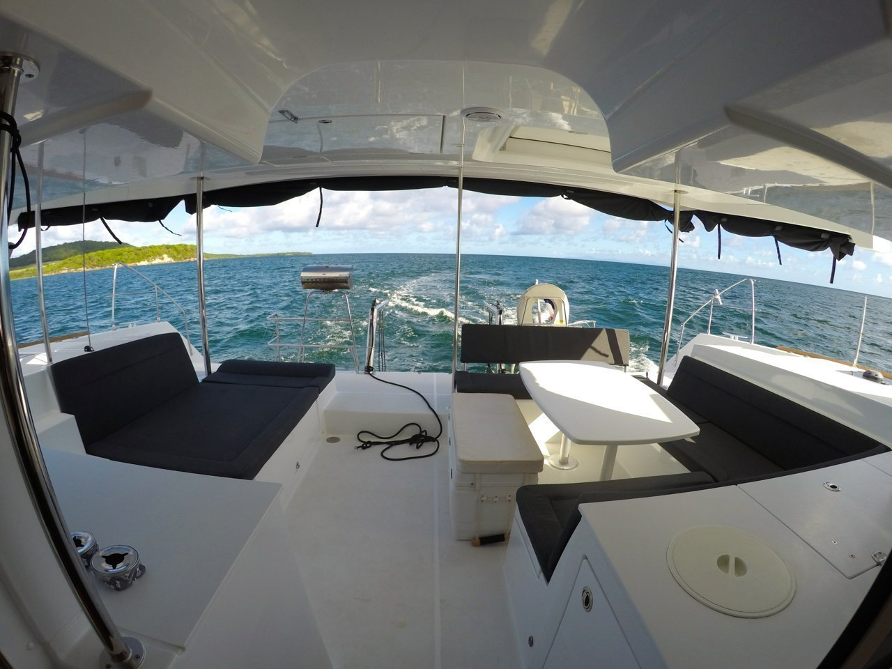 New Lagoon 450 F Premium // With Watermaker (Take Off)  - 1