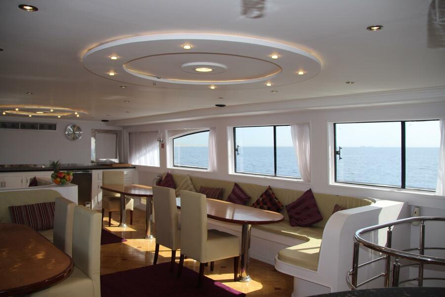 Customized yacht (SimSim)  - 8