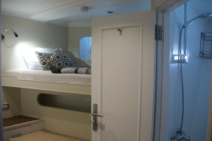 Customized yacht (SimSim)  - 13