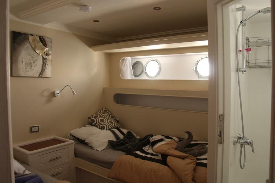 Customized yacht (SimSim)  - 15