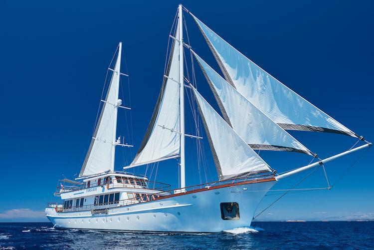 Small cruise ship (Corsario)  - 0