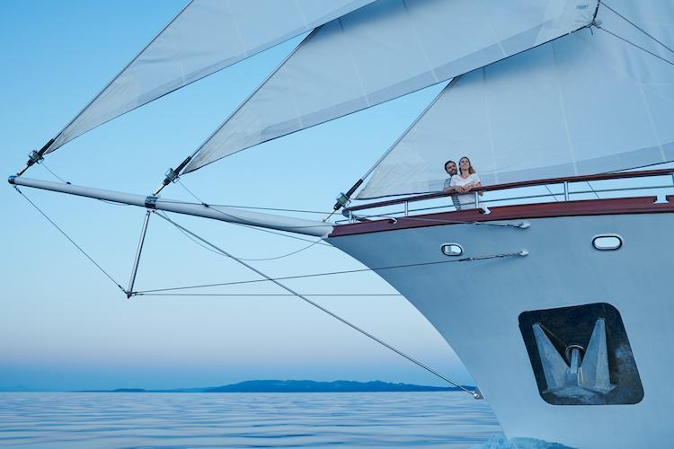 Small cruise ship (Corsario)  - 19