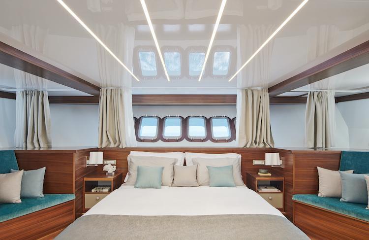 Small cruise ship (Corsario)  - 24