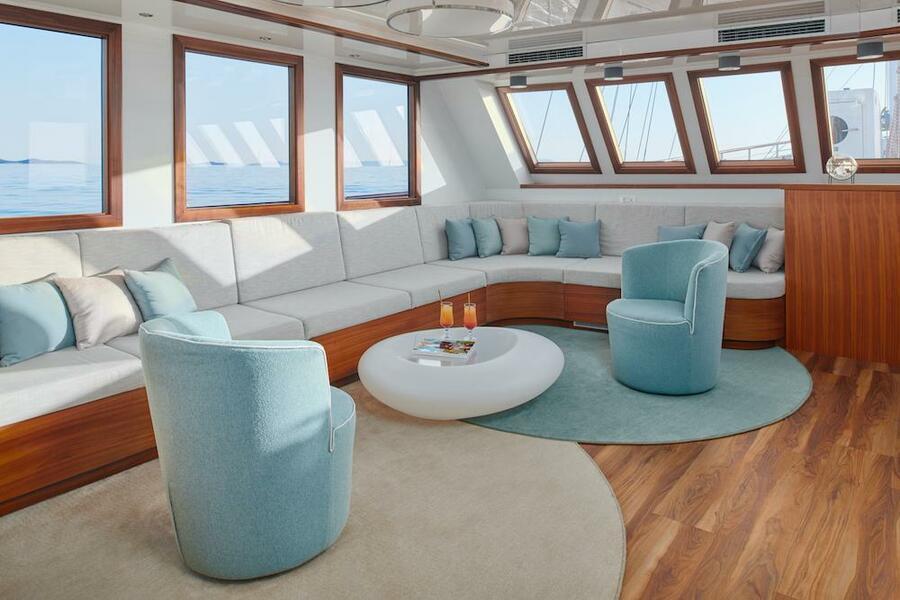Small cruise ship (Corsario)  - 39