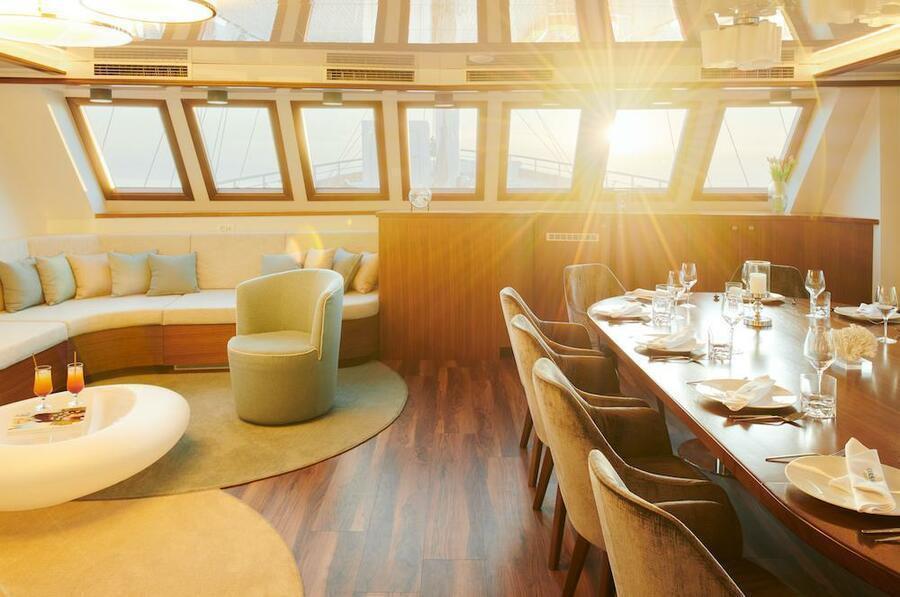 Small cruise ship (Corsario)  - 42