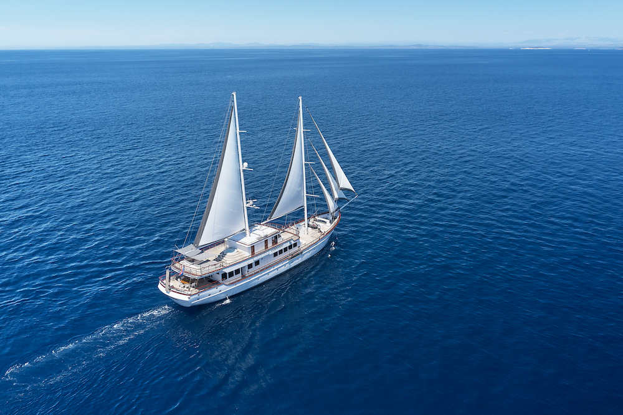 Small cruise ship (Corsario)  - 10