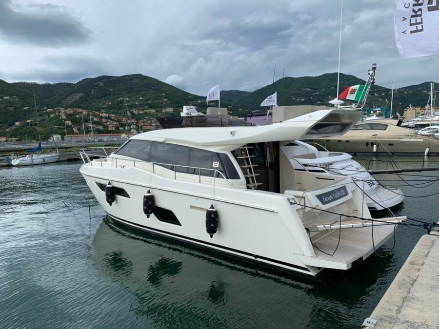 Ferretti 450 (Silver)  - 0