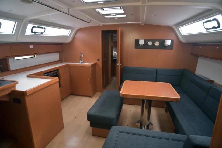 Bavaria 51 Cruiser (Philoctetes)  - 17