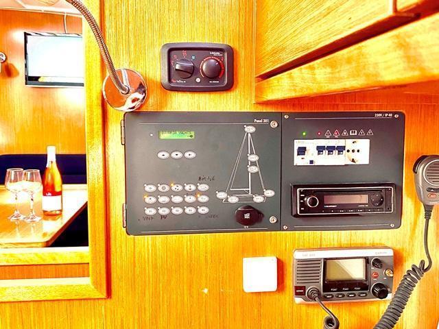 Bavaria Cruiser 40 (Priceless)  - 2