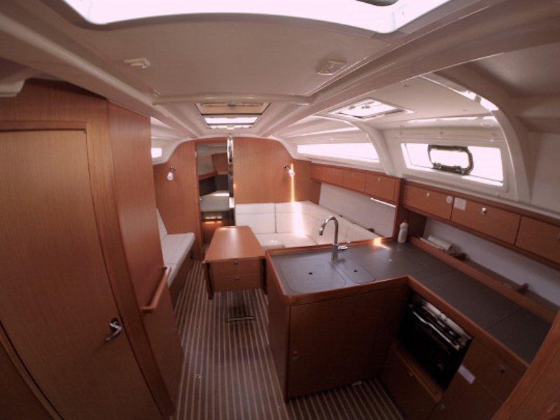 Bavaria Cruiser 37 (Diana) Interior image - 2