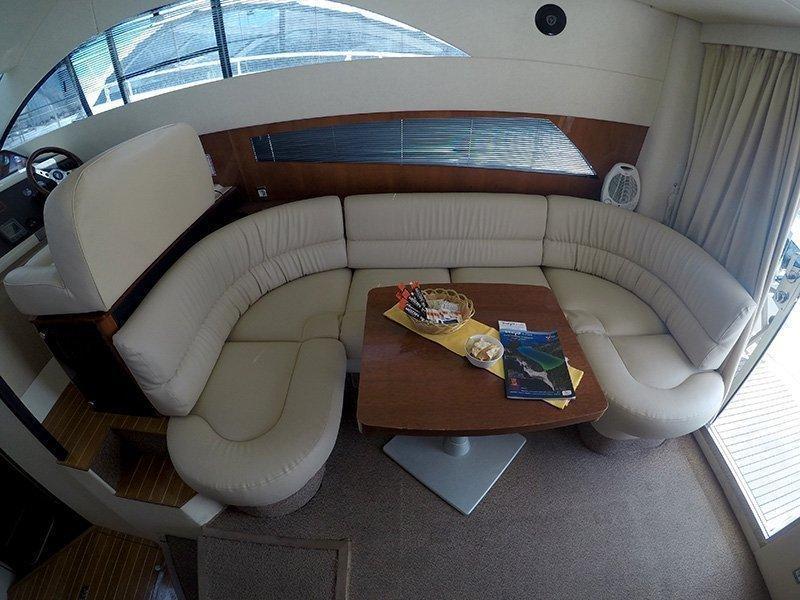 Fairline Phantom 40 (Fair Play (Jet ski - option with extra charge)) Saloon table - 22