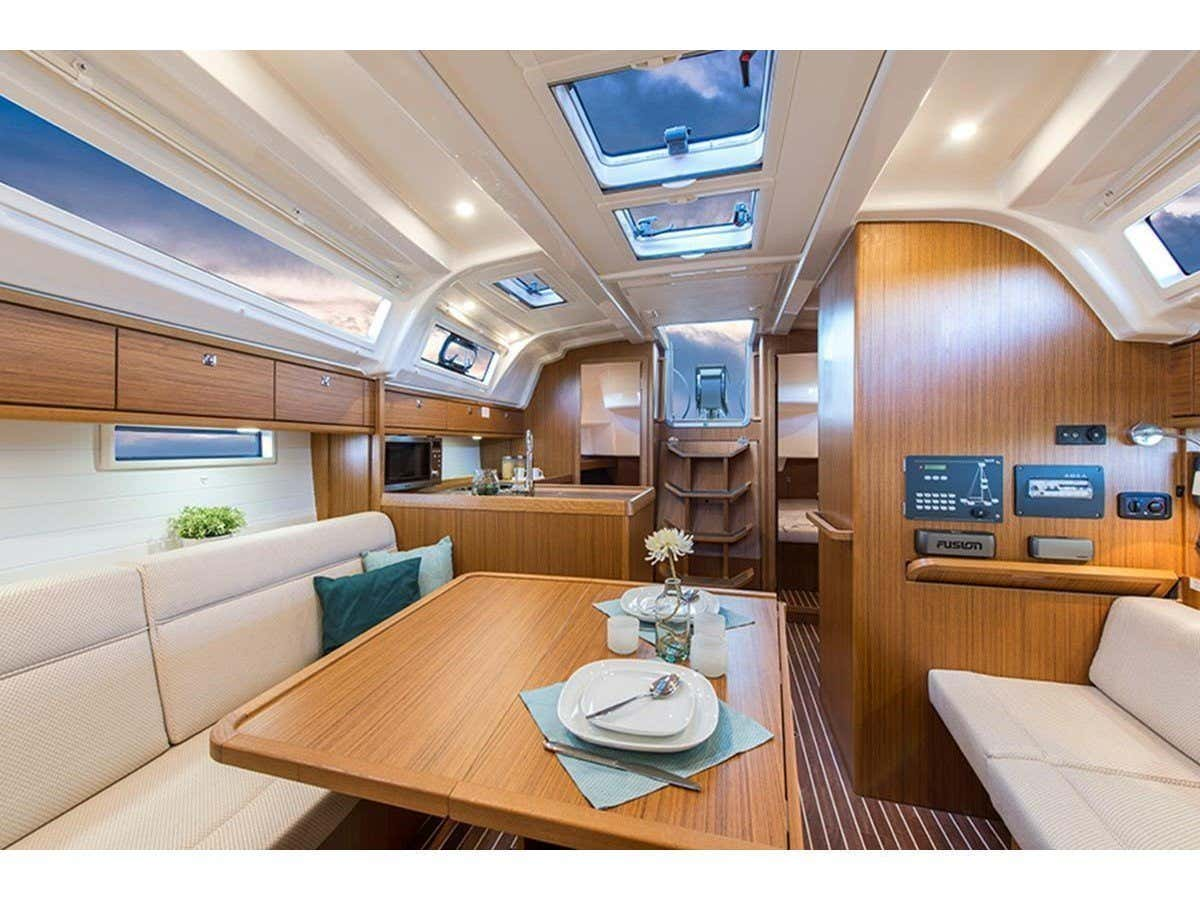 Bavaria 37 (Sailtours) Interior image - 1