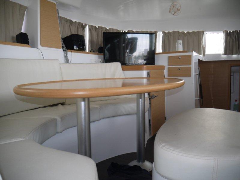Lagoon 380 S2 (Beluga) Interior image - 4