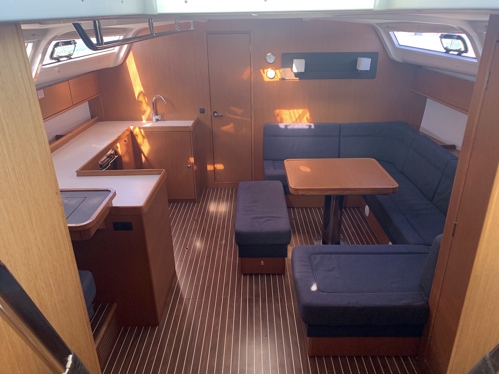 Bavaria Cruiser 51 (Alice) Interior image - 5