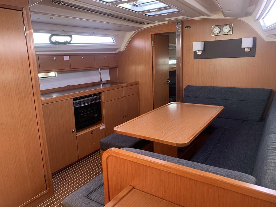 Bavaria Cruiser 41 (Erato) Interior image - 4