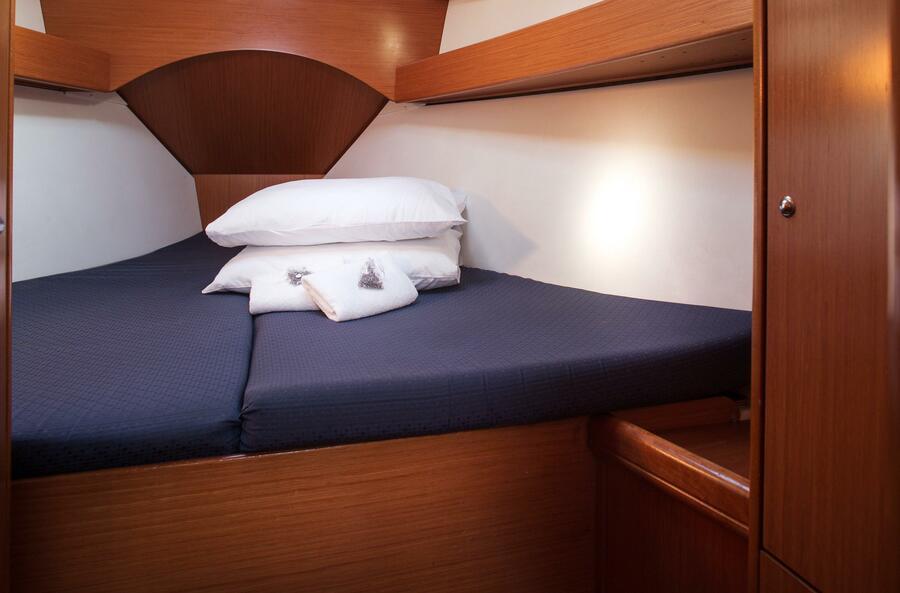 Beneteau Cyclades 43.4 (Niagara) Interior - cabin (photo taken 2019) - 12