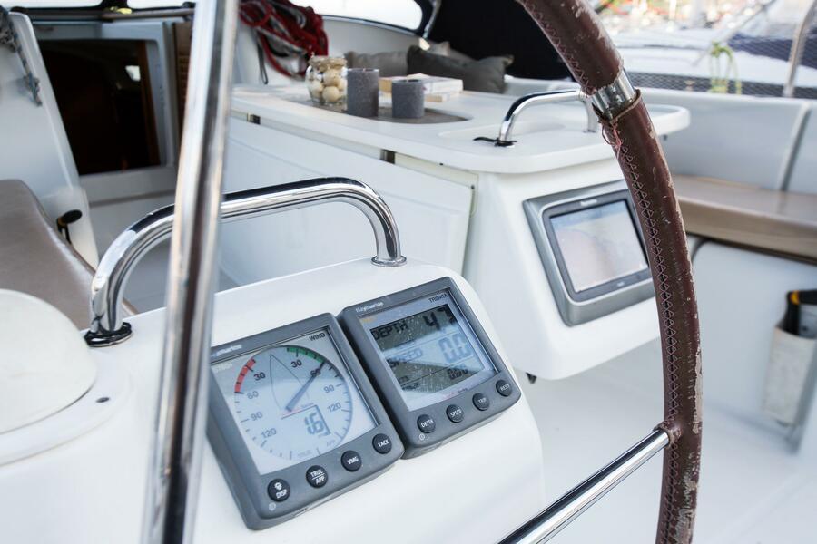 Beneteau Cyclades 43.4 (Niagara) Exterior - cockpit (photo taken 2019) - 7