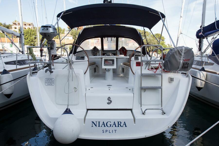 Beneteau Cyclades 43.4 (Niagara) Exterior - 2