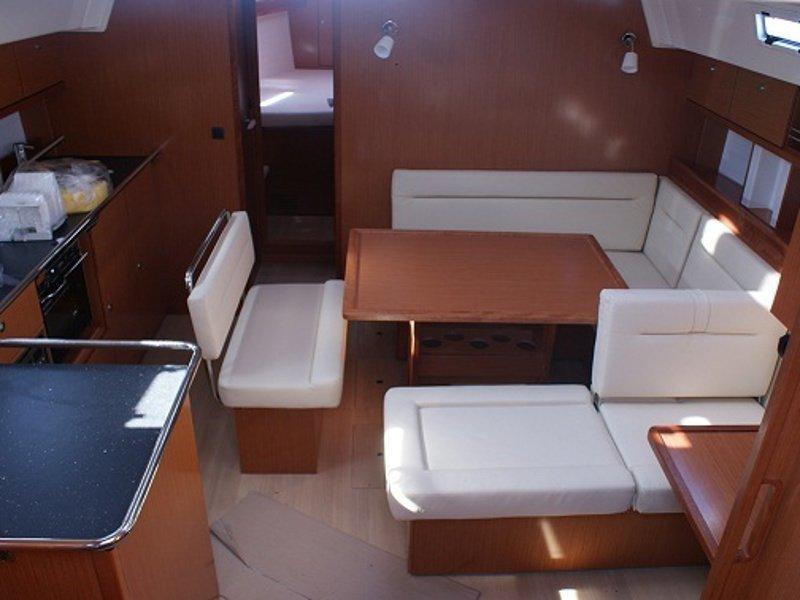 Bavaria Cruiser 45 (Orlan) Interior image - 3