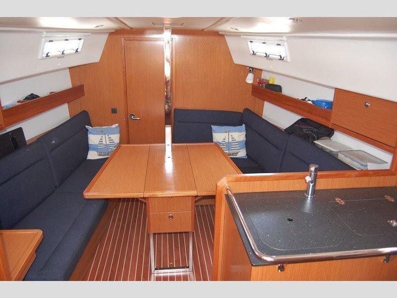 Bavaria 32 Cruiser (Sonia) Interior image - 1