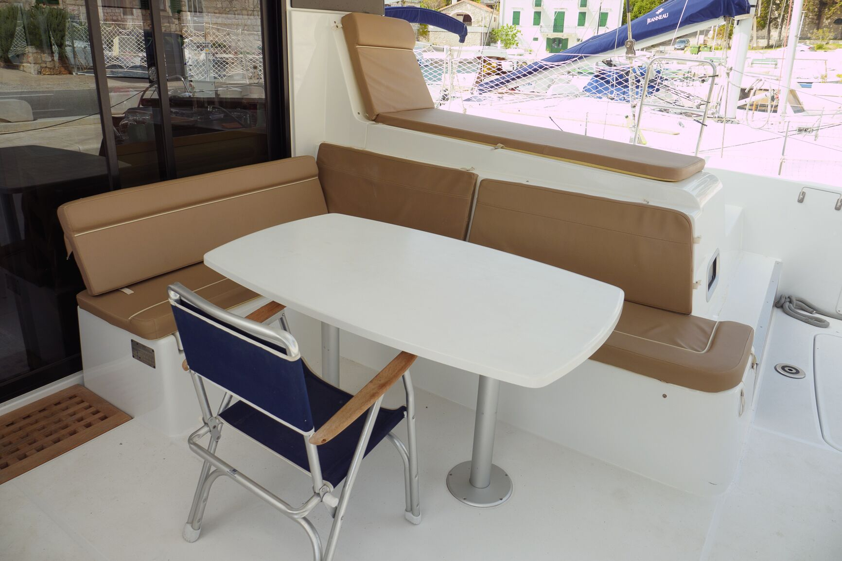 Lagoon 42 (GALAPAGOS) Exterior - deck (photo taken 2019) - 18