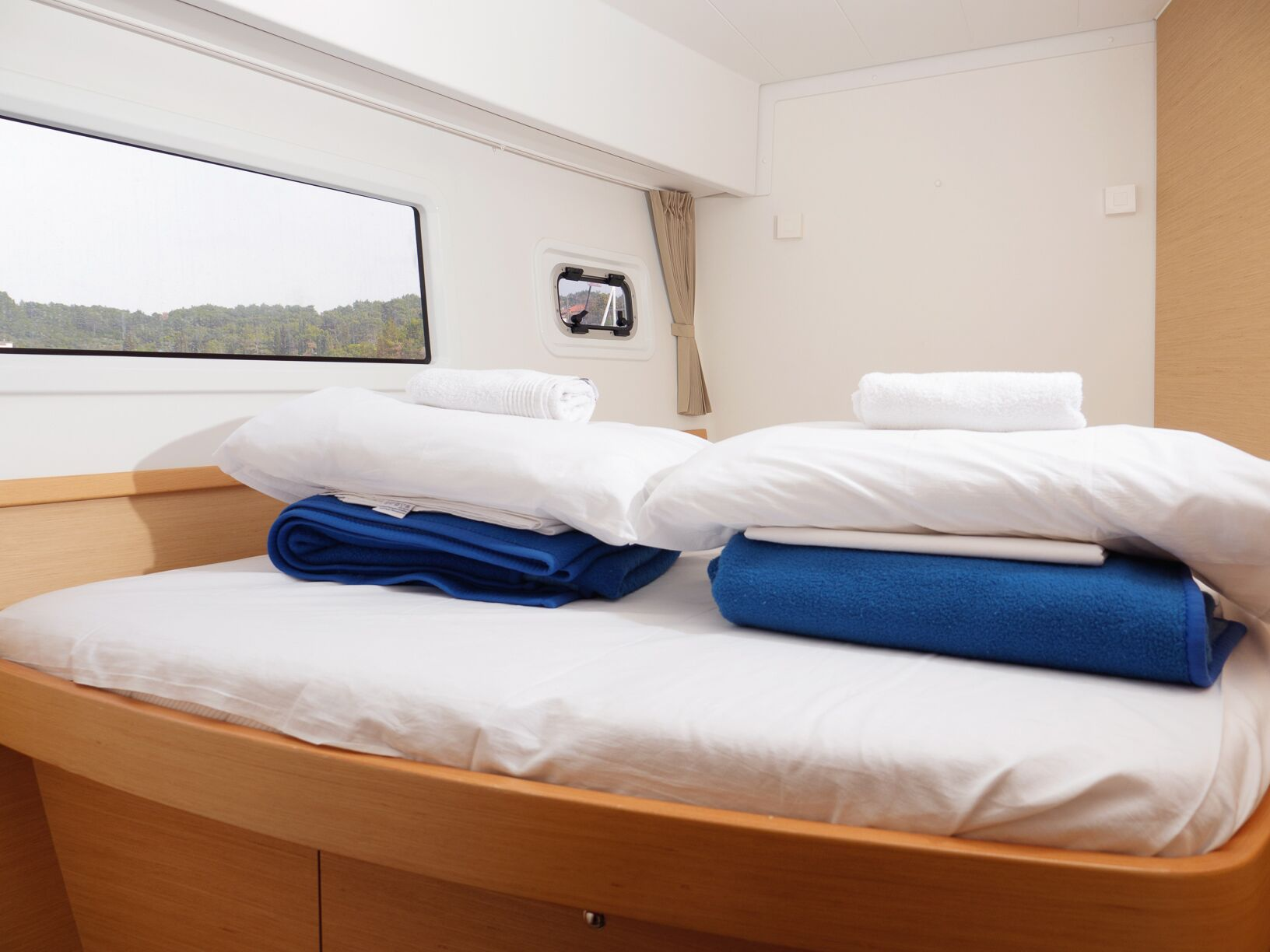 Lagoon 42 (GALAPAGOS) Interior - cabin (photo taken 2019) - 10