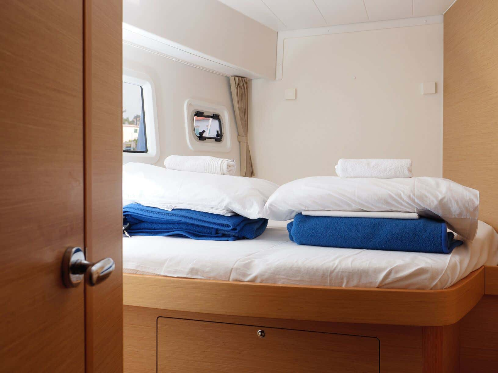 Lagoon 42 (GALAPAGOS) Interior - cabin (photo taken 2019) - 22