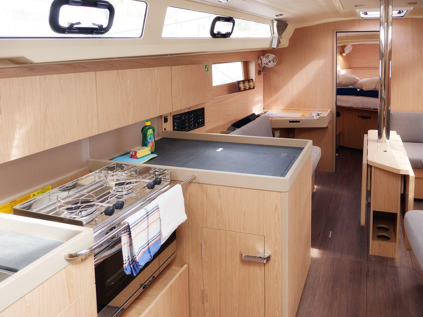Oceanis 41.1 (GOA) Interior - kitchen (photo taken 2019) - 12