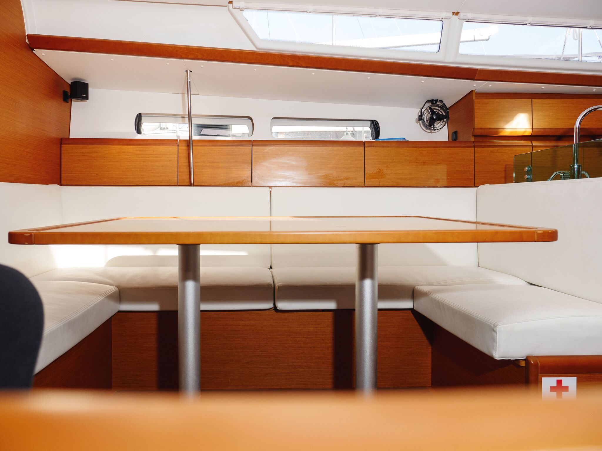 Sun Odyssey 449 (Odessa) Interior - saloon (photo taken 2019) - 3