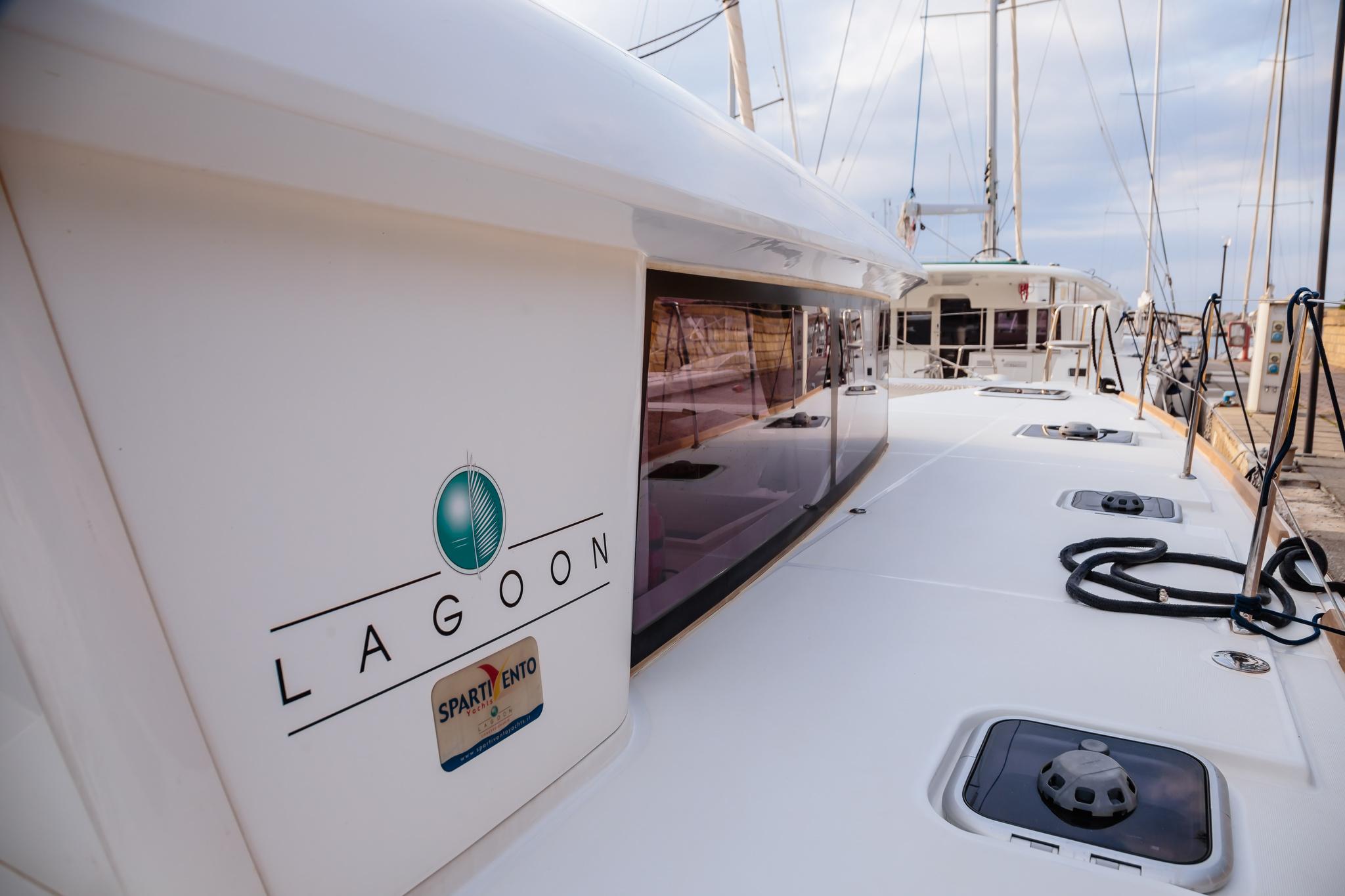Lagoon 400 S2 (Auster) esterno - 12