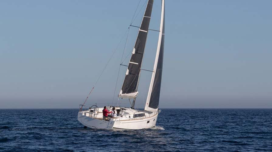 Oceanis 38.1 (Flip)  - 16