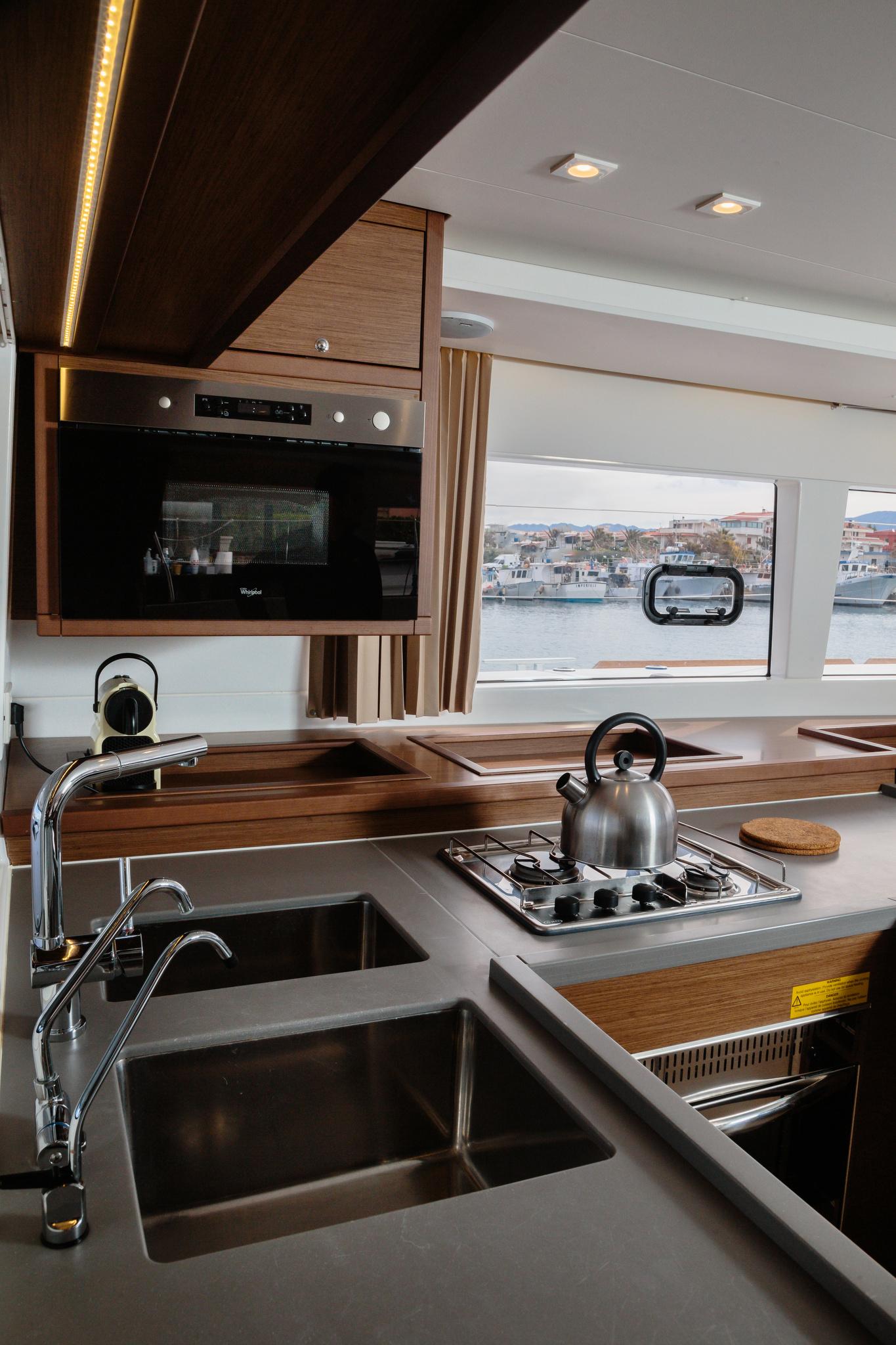 Lagoon 450 (Didyme) cucina - 14