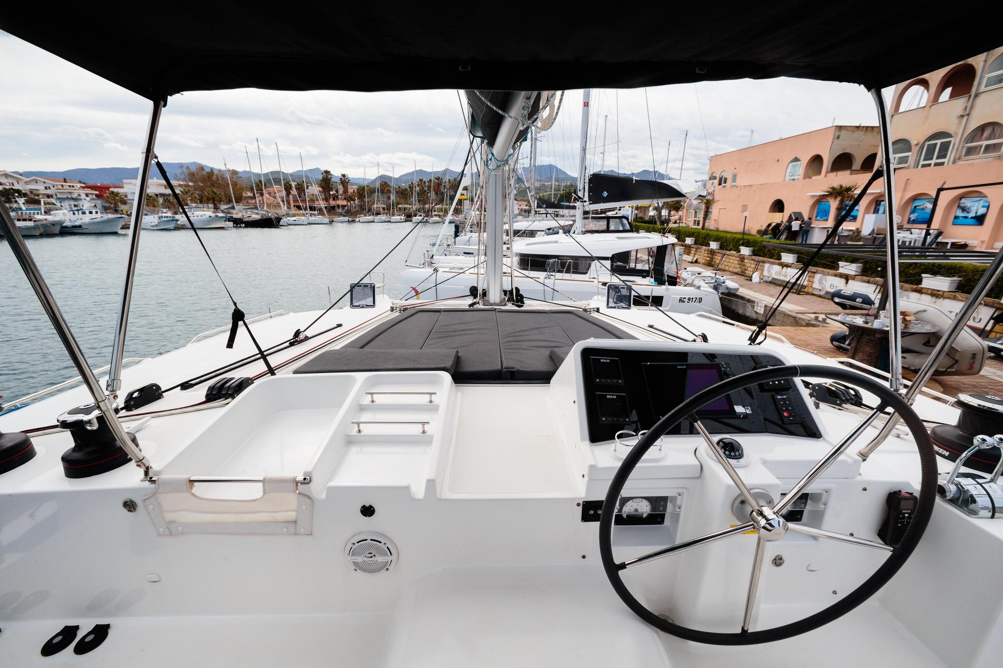 Lagoon 450 (Didyme) timone + strumenti esterni - 12