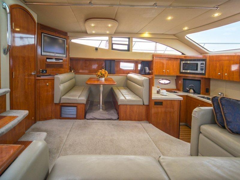 Cruiser 395 (Maximus) Interior image - 12