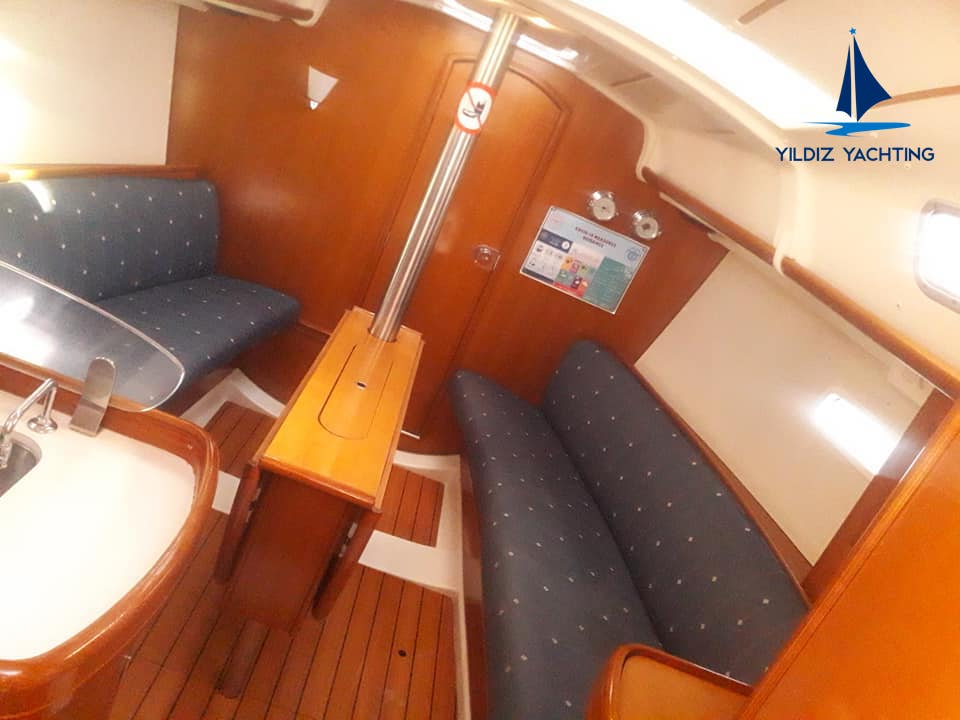 Oceanis 323 (Zippy) Interior image - 1