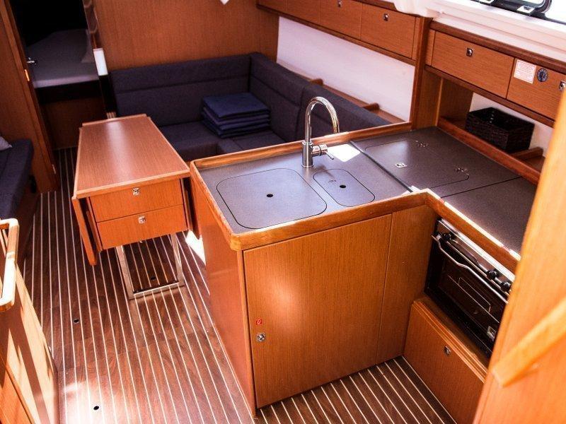 Bavaria Cruiser 37 (ANGELIC)  - 6