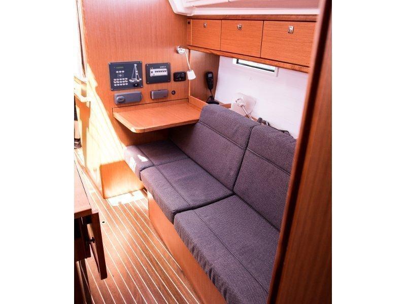Bavaria Cruiser 37 (ANGELIC)  - 12