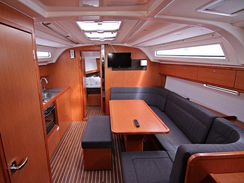 BAVARIA C 41 BT (FEDERICA) Interior image - 7