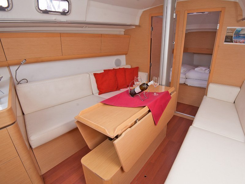Beneteau First 35 (Psyche)  - 5