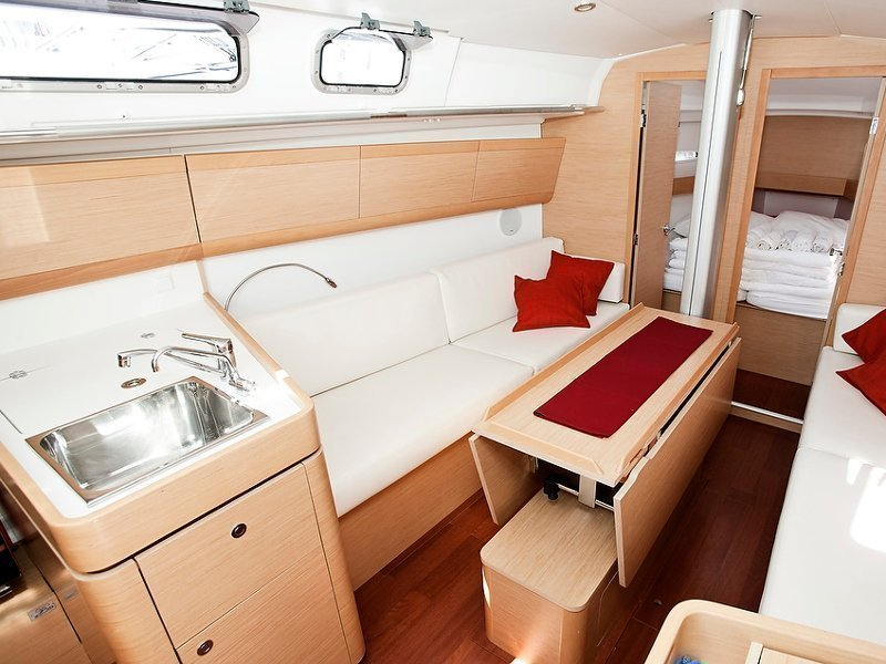 Beneteau First 35 (Thetis)  - 6