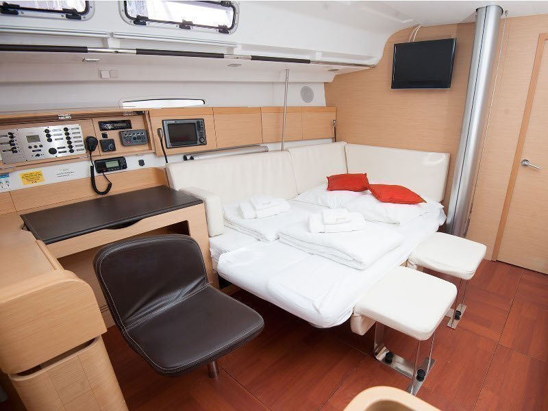 Beneteau First 45 (Ariadne)  - 9