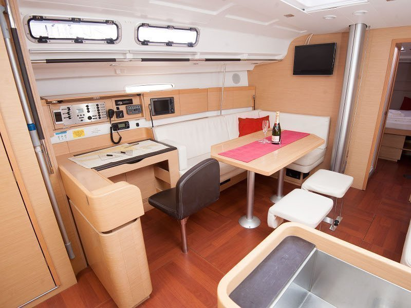 Beneteau First 45 (Venus)  - 7