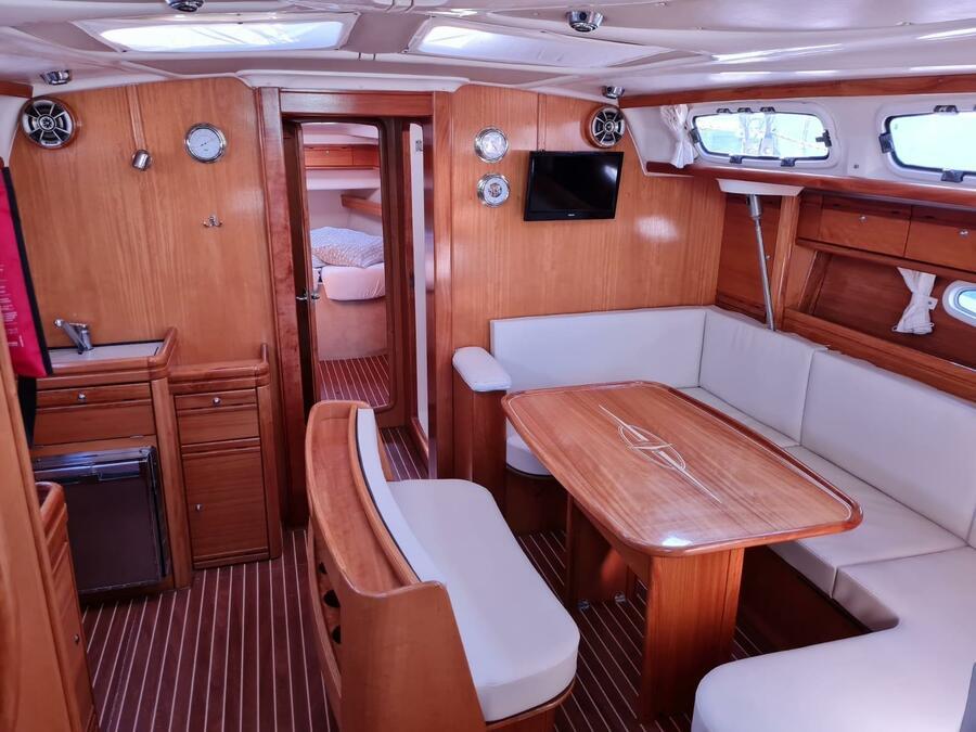 Bavaria 46 Cruiser (Tweety) Interior image - 14