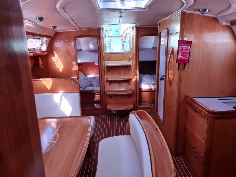 Bavaria 46 Cruiser (Tweety) Interior image - 7