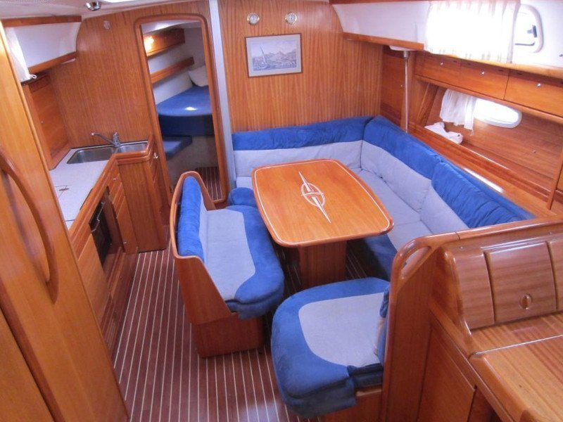 Bavaria 39 Cruiser (Kinky) Interior image - 2