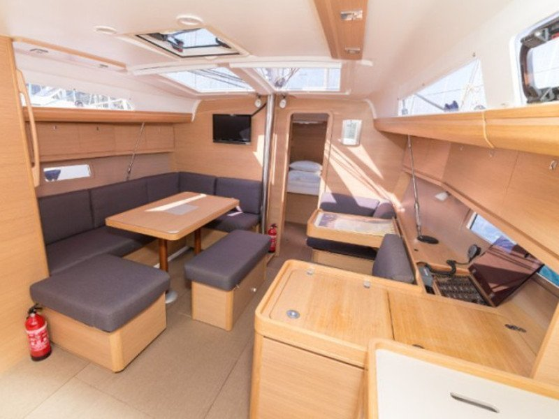Saona 47 quintet (SUNNY WAVE- with AC and generator) Interior image - 28