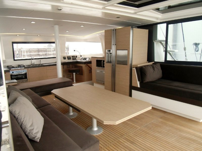 Bali 4.3 (Eleni / with air-condition, generator & watermaker) Interior image - 1
