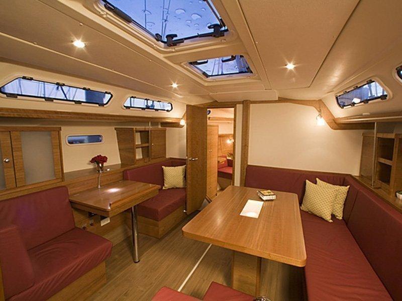 Hanse 430 (Karina (sails 2014)) Interior image - 5